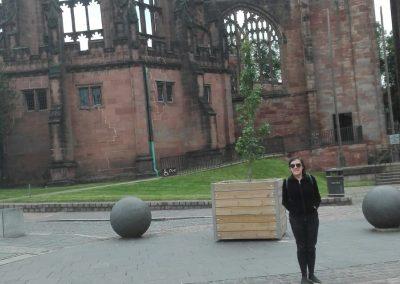 Menchu en Antigüa catedral en Coventry
